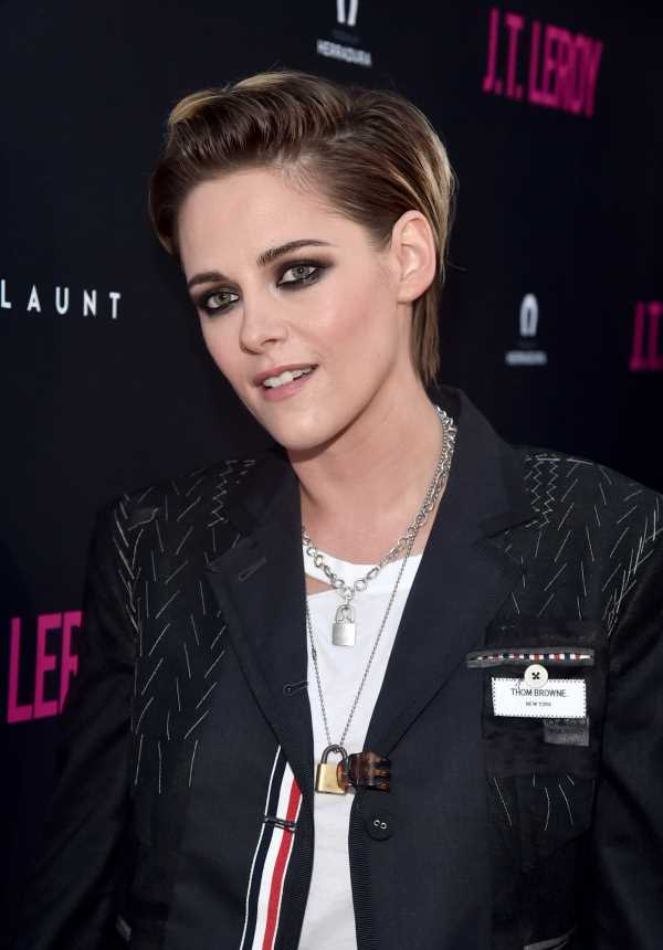 Kristen Stewart's Bleached Eyebrows Are So Edgy & Bold, But I Hardly Recognized Her At First