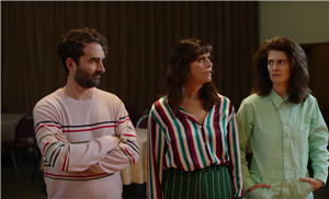 The Trailer For 'Transparent's Final Season Has Maura Dead & Everyone Else Singing