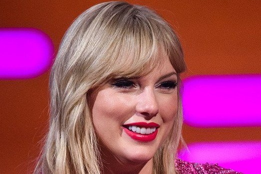 Taylor Swift ends Katy Perry feud by sending 'Peace At Last' cookies to the star