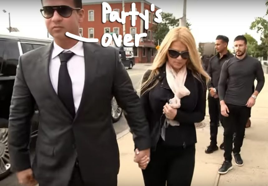 'Jersey Shore Family Vacation' Trailer TeasesTheSituation Trial & JWoww Divorce Drama &#8