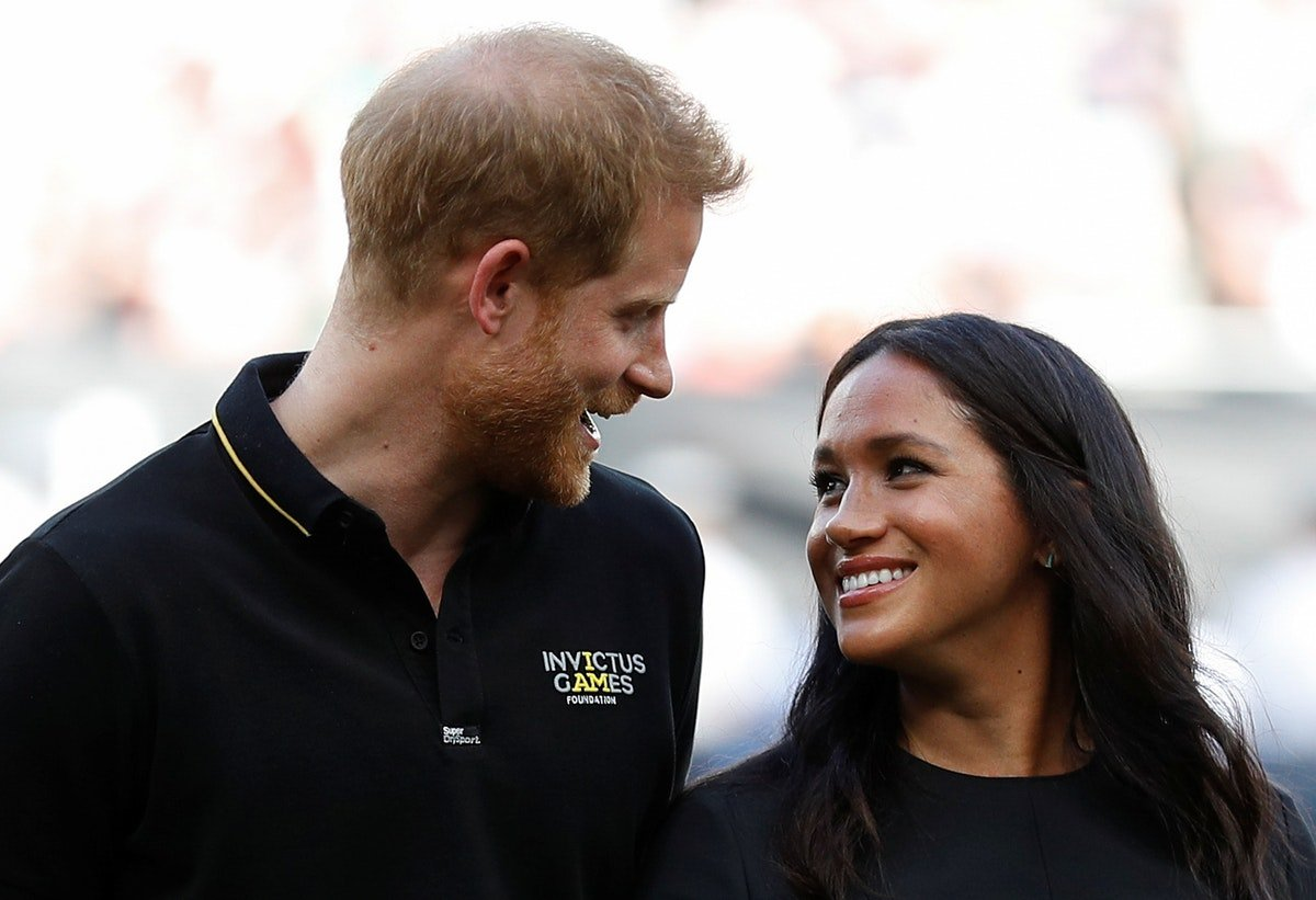 Meghan Markle & Prince Harry's Body Language At Archie's Christening Was So Adorable