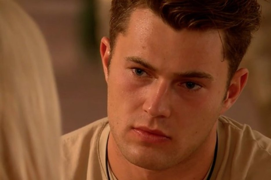 Livid Amy ends things with Curtis in Love Island fuming 'you knew it'd break my heart'