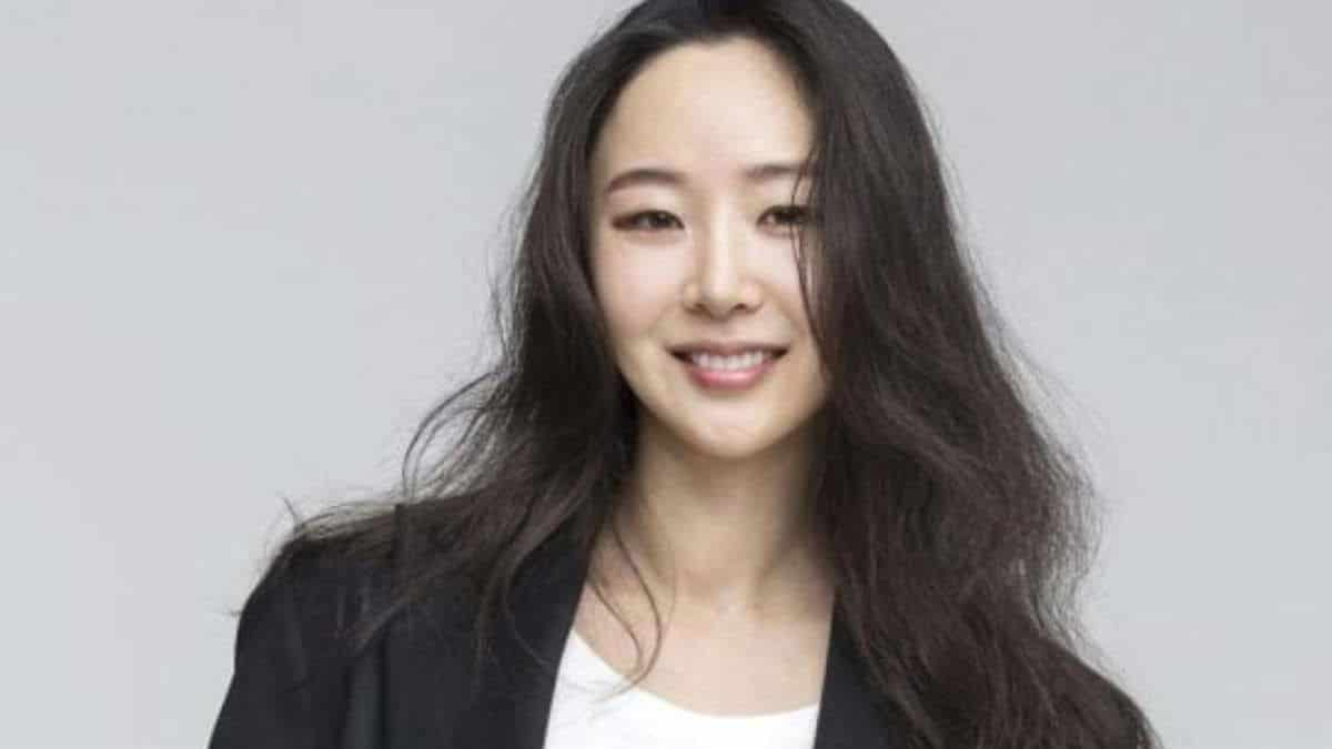 Big Hit Entertainment prepares for first girl group by hiring former SM Entertainment creative director Min Hee-Jin as CBO