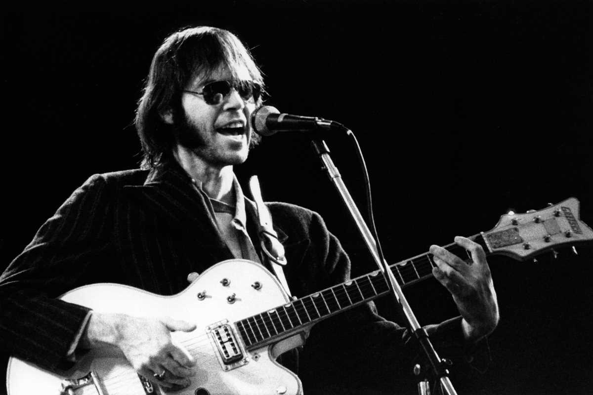 Flashback: Neil Young Premieres 'On the Beach' Songs at Surprise 1974 Show