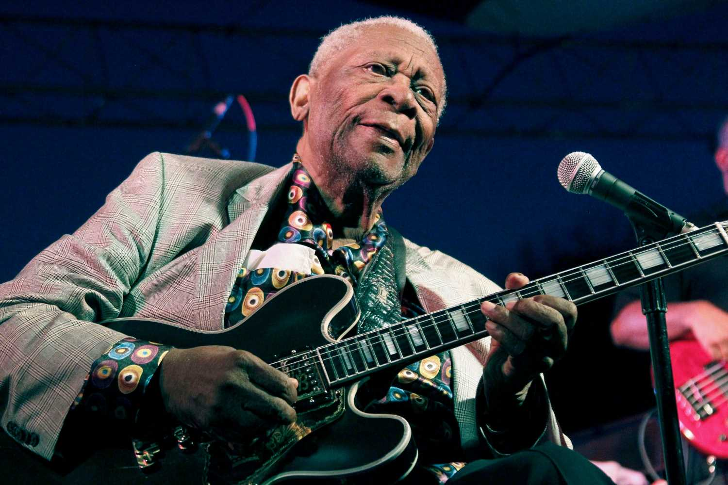 B.B. King: One of Blues Legend's 'Lucille' Guitars Headed to Auction