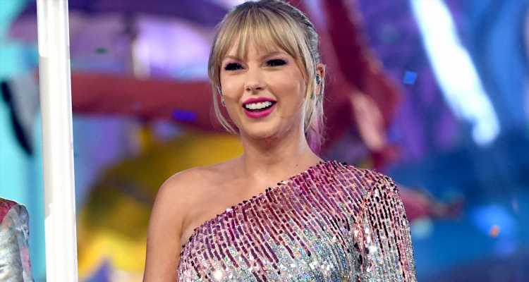Taylor Swift Accidentally Reveals She's Opening the MTV VMAs 2019!