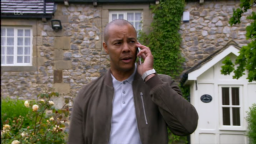 Emmerdale fans convinced Ellis' dad Al is Kim Tate's mystery 'illegal' business partner after he tricks him into accepting his money