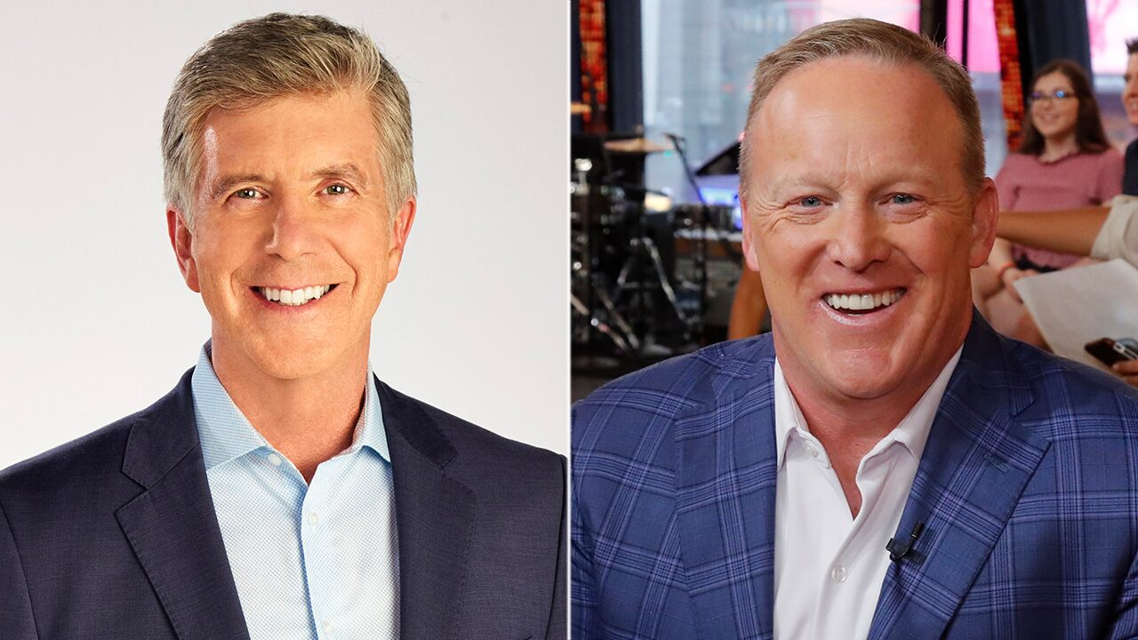 'Dancing With the Stars' host Tom Bergeron slams politically 'divisive bookings' after Sean Spicer is cast