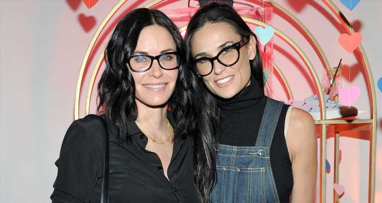 Demi Moore & Courteney Cox Look Identical in Throwback Photo!