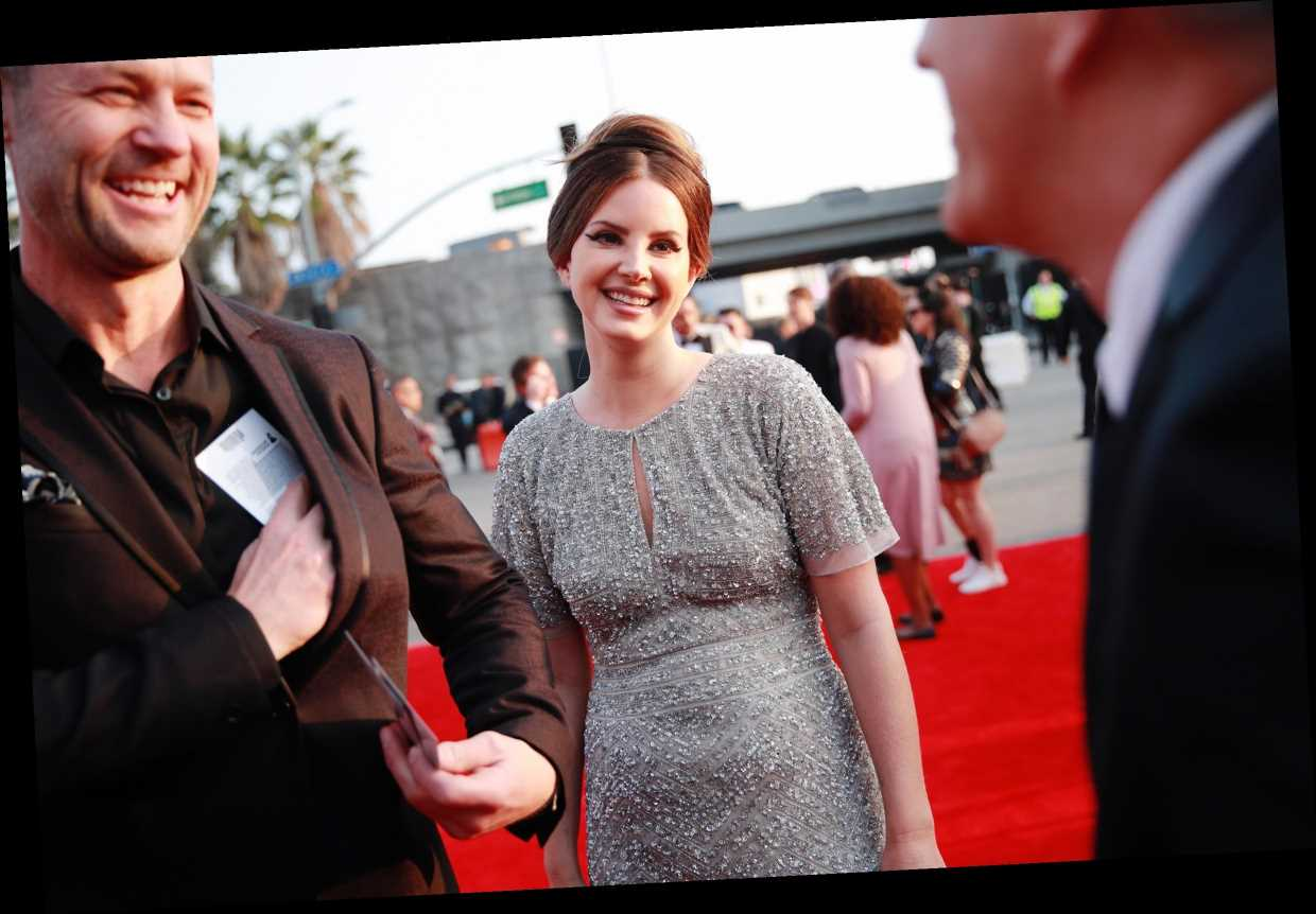An Ode to Lana Del Rey's Grammy Dress: Long Live Malls!