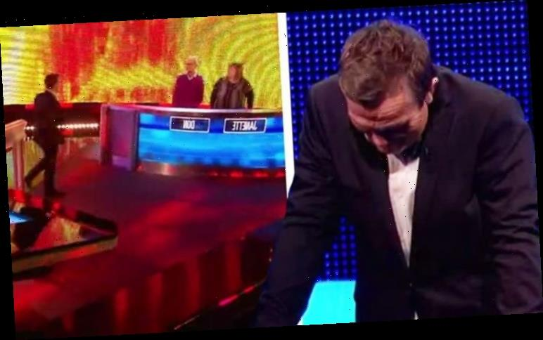 The Chase's Bradley Walsh loses it as ITV show halted: 'What the f**k?