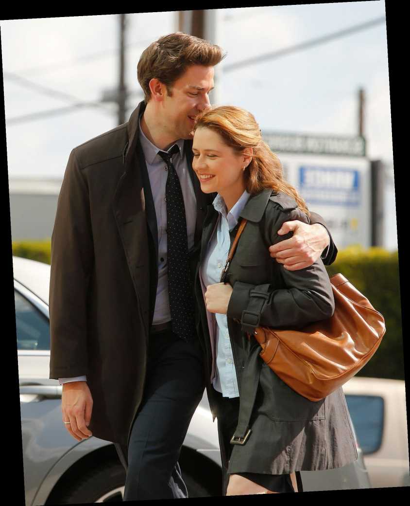 Jenna Fischer Says Fans of The Office 'Don't Understand' That She and John Krasinski Aren't a Couple