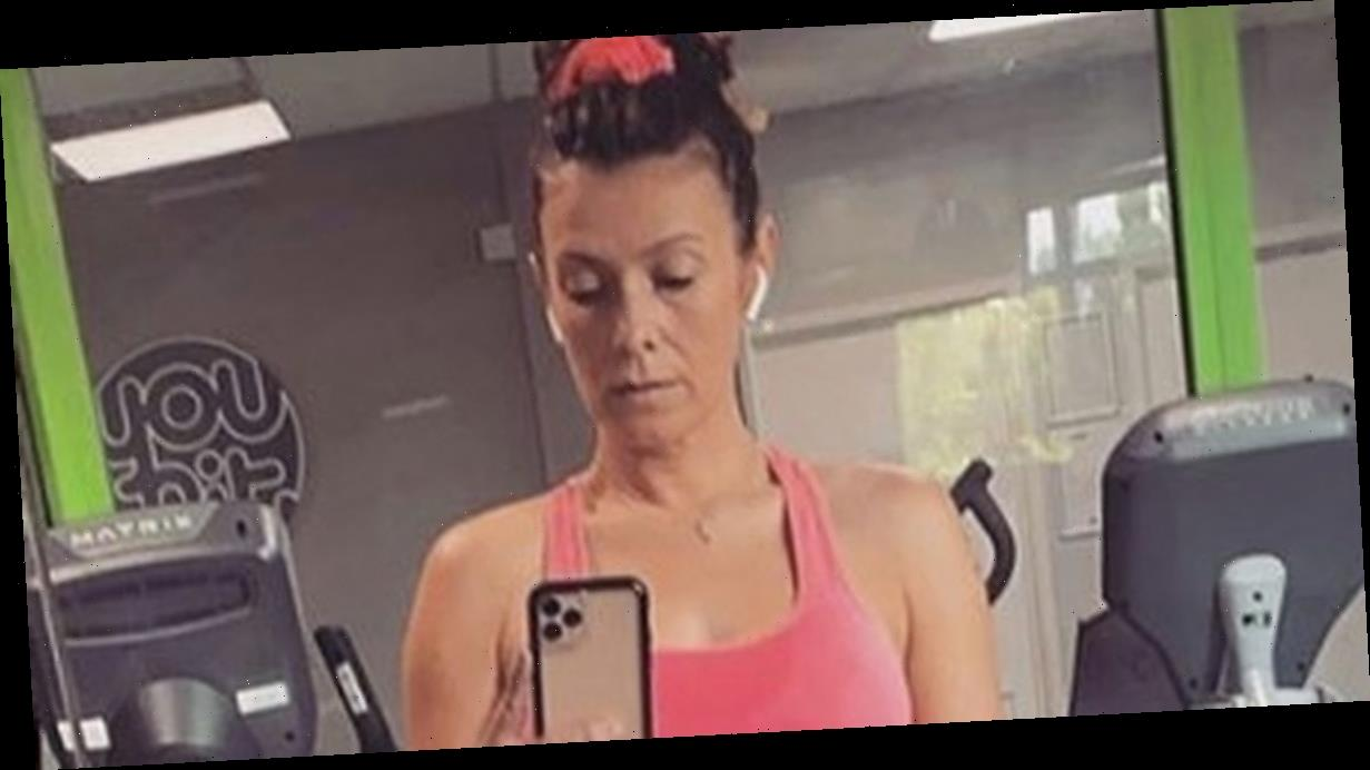 Kym Marsh gets Corrie fans fired up with 'sweaty' pic in hot pink sports bra
