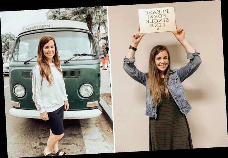 Jana Duggar, 30, 'desperate' to move out of Jim Bob and Michelle's home but is 'forbidden' unless she 'finds a husband'