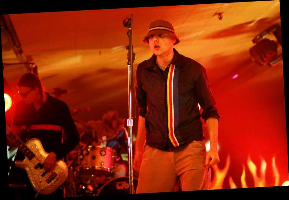 Flashback: New Radicals Play 'You Get What You Give' on MTV's 'Rock n' Jock Bowling Ball' in 1999