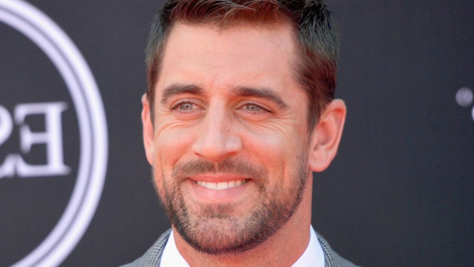 Jeopardy Contestants Stun Aaron Rodgers After Embarrassing Whiff