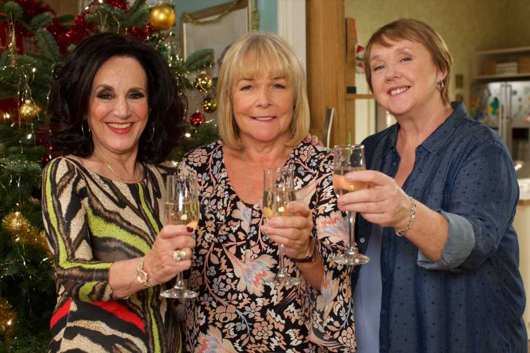 Birds of a Feather 'is axed by ITV after Pauline Quirke's bitter fallout with Linda Robson'