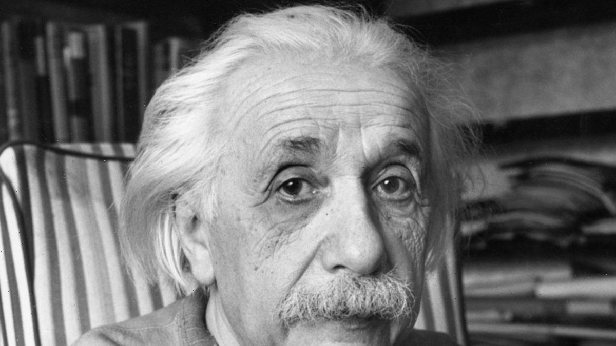 Einstein Letter With 'E=mc2' Equation Sells for Over a Mil at Auction