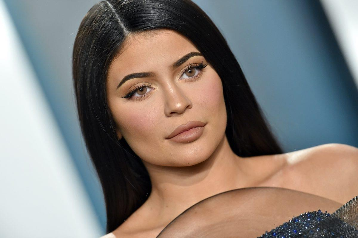 'KUWTK': In Photo of Kylie Jenner and Daughter Stormi, Fans Can't Stop Staring at This Tiny Purse