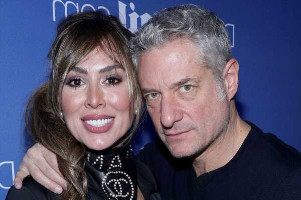 'RHOC' Alum Kelly Dodd Returns 'Unmasked' and Launches Podcast With Husband Rick Leventhal